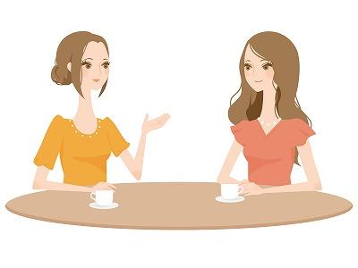 性病検査キットの評判を話す女性たち